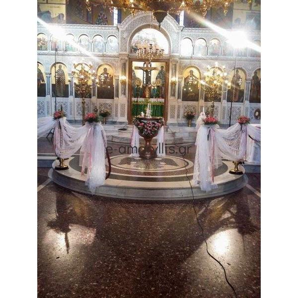 Εσωτερικός στολισμός εκκλησίας σε βάφτιση