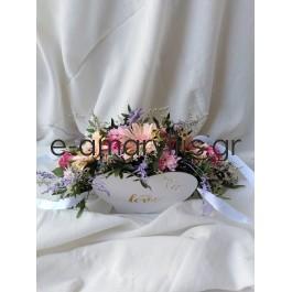 Χάρτινη βάση καρδία με ζέρμπερες και φούξια τριαντάφυλλα