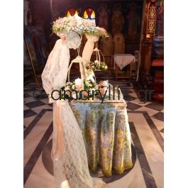 Λαμπάδες γάμου κρεμαστές σε λευκή βάση