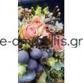 Νυφική ανθοδέσμη με διάφορα λουλούδια